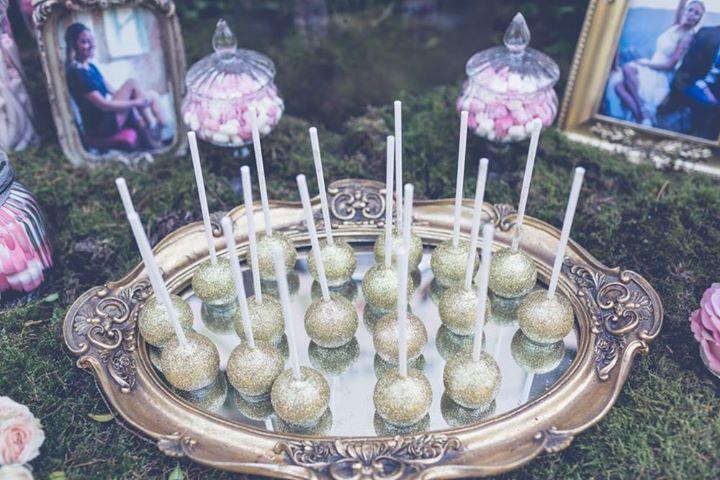 Oui Oui-cake pops dorados purpurina-telva novias-casa golosa-bodas colorin colorado
