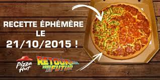 Oui Oui-homenaje regreso al futuro-pizza hut