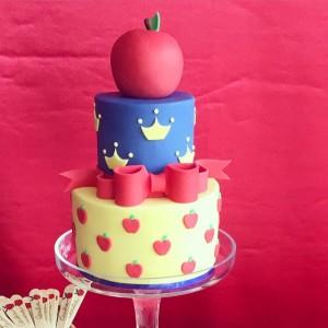 Oui Oui-tarta blancanieves-casa golosa-bodas colorin colorado