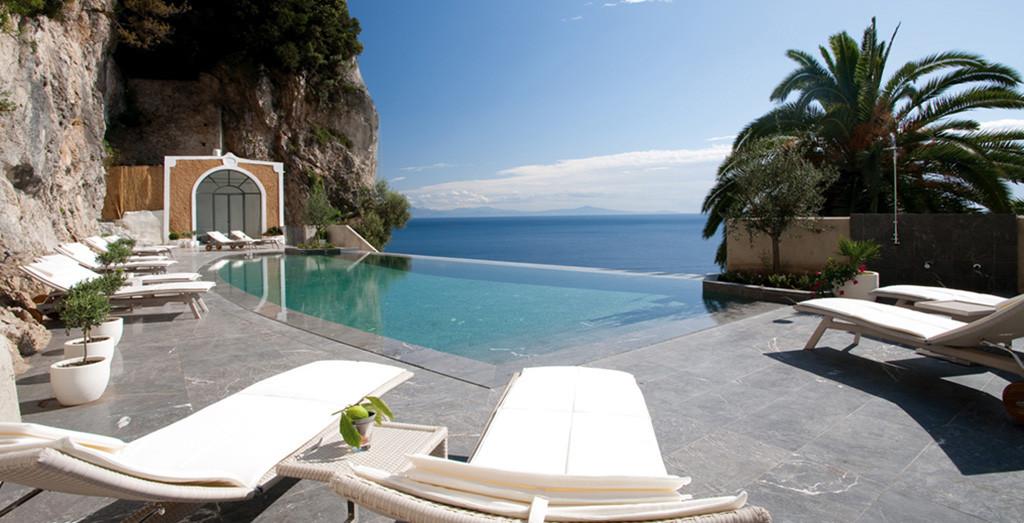 Oui Oui-regalo nacimiento-hotel costa amalfitana-nh, convento de amalfi