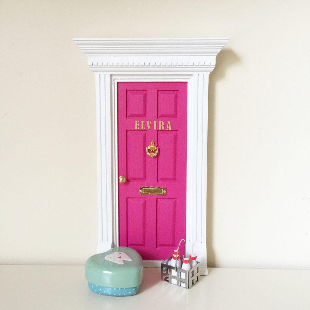 Oui Oui-puerta ratoncito perez-rosa y blanca-Elvira