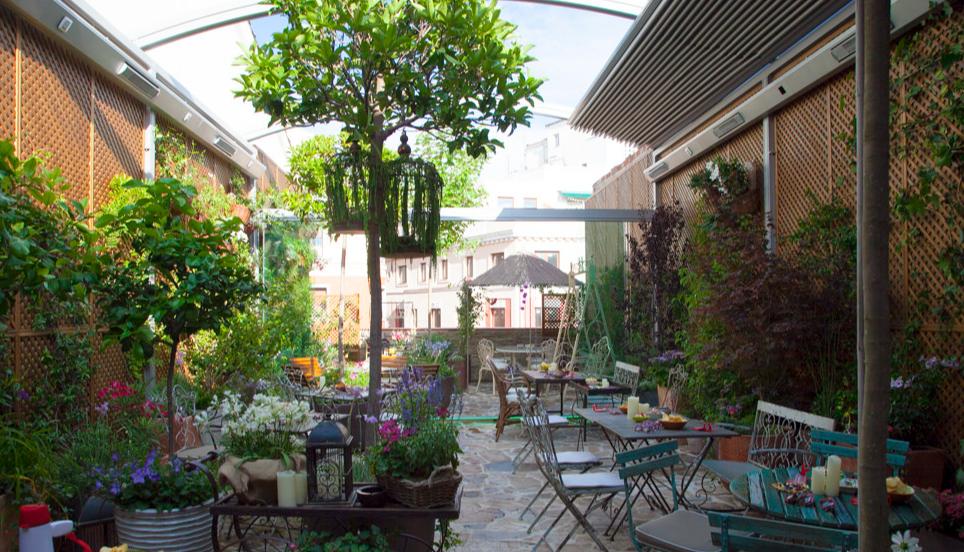 Oui Oui-restaurantes tachar mayo-el jardin secreto de salvador bachiller