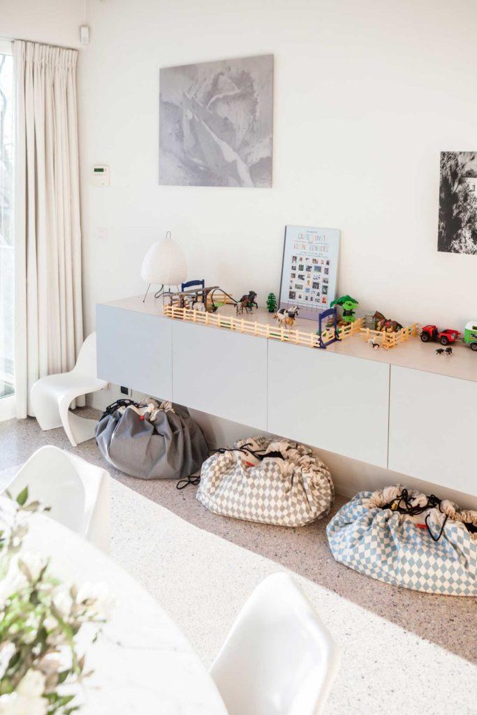 Oui Oui-alfombra recoge juguetes-bolsa recoge juguetes-rombos gris (1)