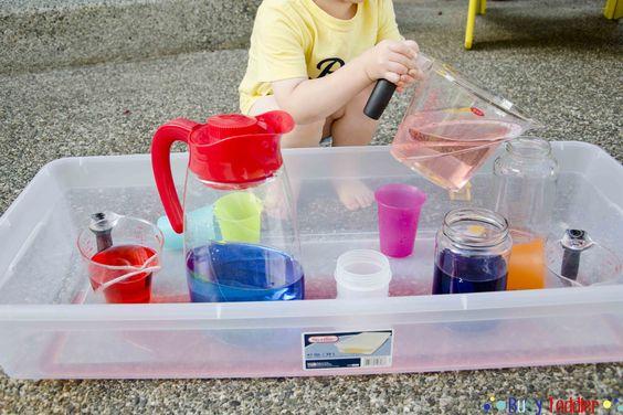 Oui Oui-juego trasvasar agua-montessori