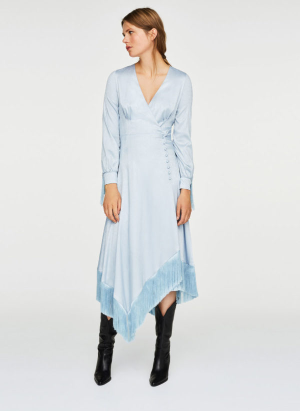 Oui Oui-vestidos invitada otoño- vestido invitada boda flecos-vestiso raso azul flecos-uterqüe-delante