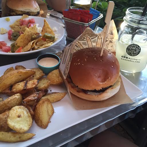 Oui Oui-hamburgueserias madrid-goiko grill-hamburguesa chipotle 2