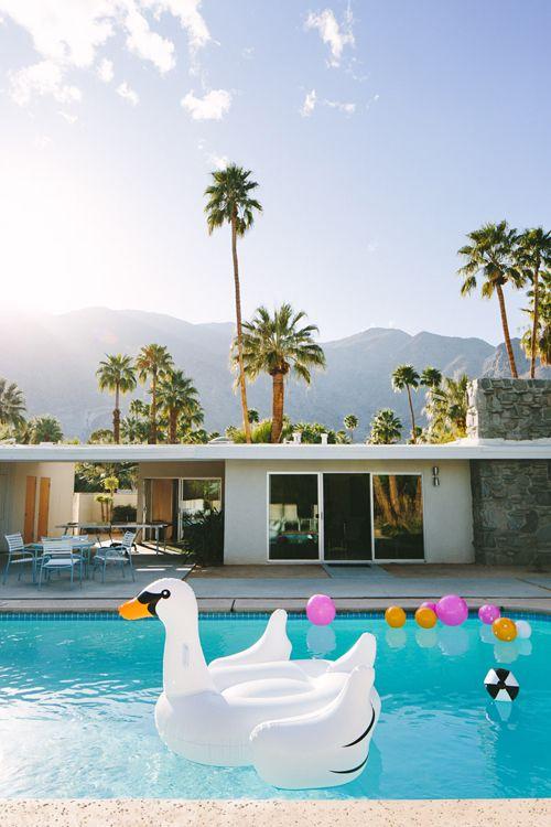 Oui Oui-pool party-flotadores gigantes-flotador pretzel-flotador donut-flotador cisne-flotador flamenco (12)
