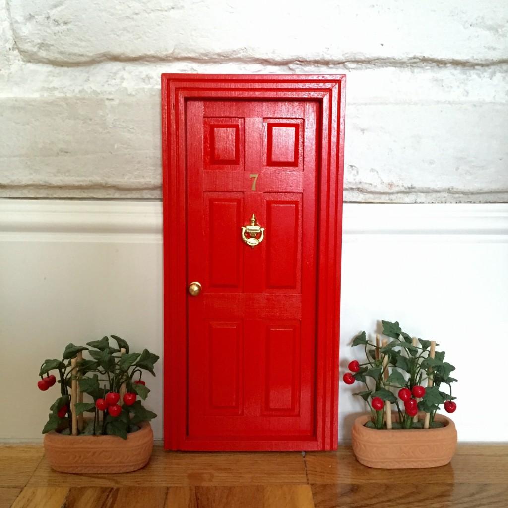 Oui Oui-puerta ratoncitos perez-tomateras