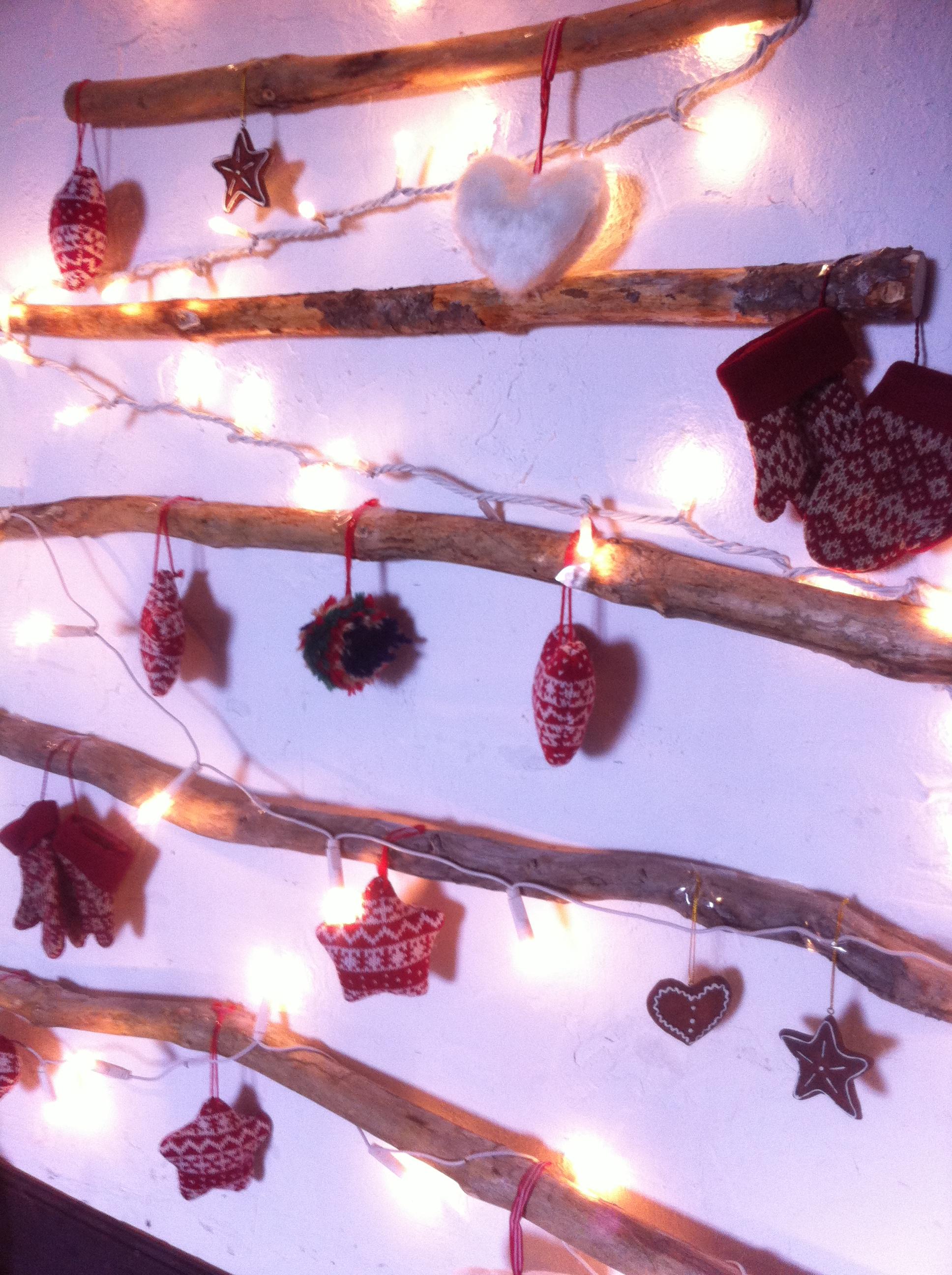 Oui Oui-arbol navidad ramas-troncos-DIY-arbol navidad diferente (2)