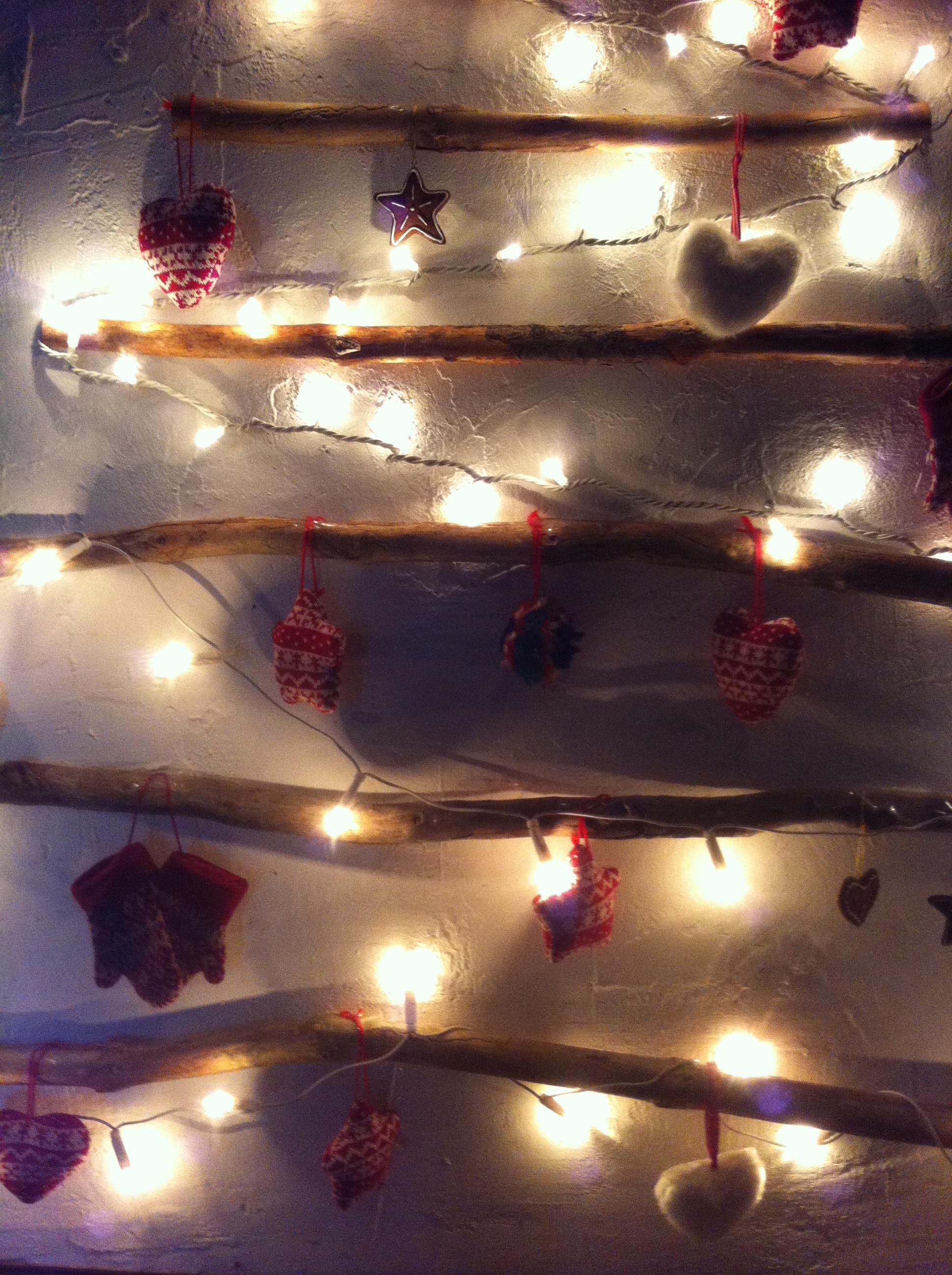 Oui Oui-arbol navidad ramas-troncos-DIY-arbol navidad diferente (5)