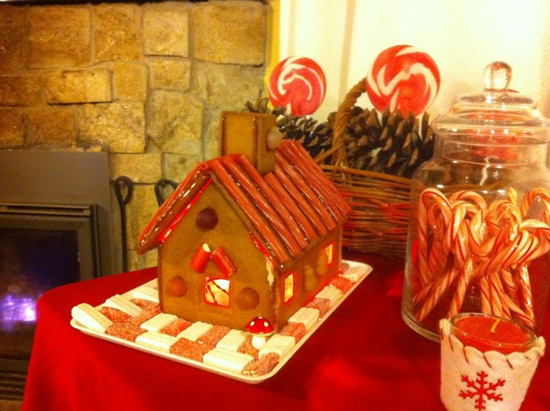 Oui Oui-casita caramelo-galletas jengibre-mesa dulces navidad (1)