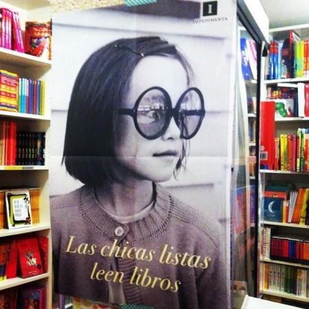 Póster Las chicas listas leen libros