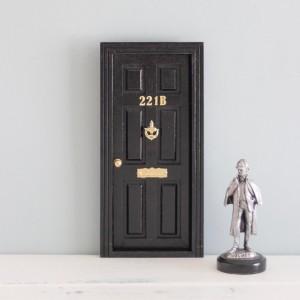 Puerta ratoncito Sherlock...