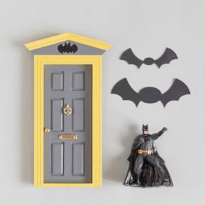 Puerta Ratoncito Batman