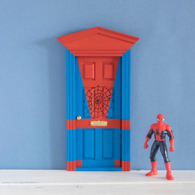 Puerta Ratoncito Spiderman